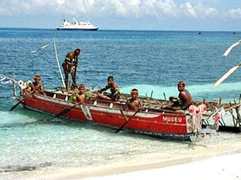 Doini Island cruises
