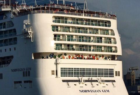 Norwegian Gem Cruises Day Twin - Norwegian gem cruise ship