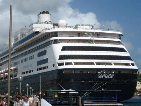 Volendam Cruises 2018 2019 2020 137 Day Twin
